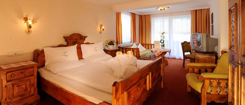 hotel-zilleratalerhof-bedroom3.jpg